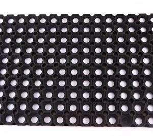 שטיח-גומי-מחורר